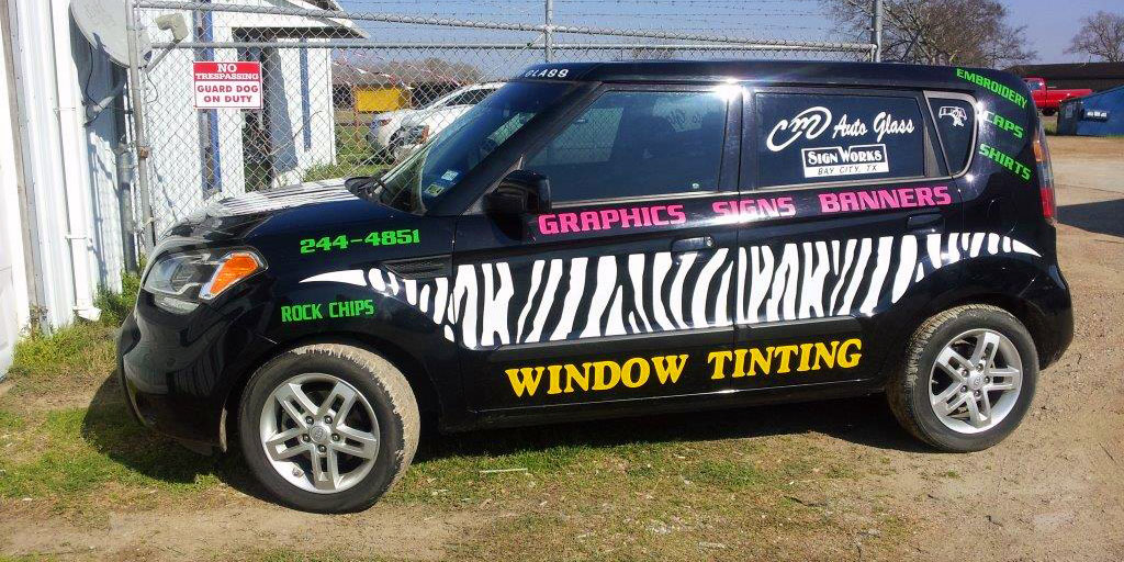Cm Auto Glass Inc Sign Works Windshield Repair Bay City Tx